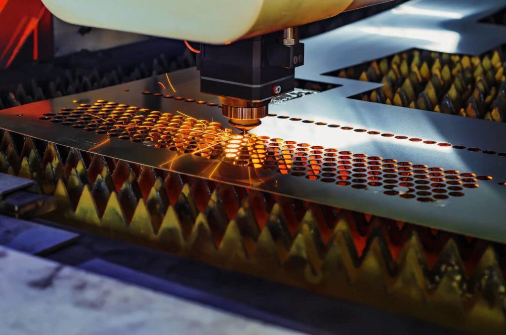 découpe lazer production usine